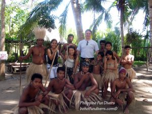 Philippine Fun Divers Alona Beach Panglao Bohol Adventure trip Loboc River Ate tribe family picture